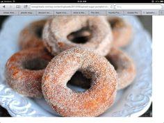 Spiced sugar pumpkin dounughts