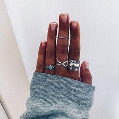 136.5 mil seguidores, 460 seguidos, 1,551 publicaciones - Ve fotos y videos de Instagram de LAS COSAS DE COCÓ (@lascosasdecoco_shop) Cute Jewelry, Jewelry Accessories, Fashion Accessories, Cute Nails, Pretty Nails, Finger, Nail Ring, Accesorios Casual, Mani Pedi