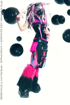 Kanzaky shoot by Tinebra Punk Outfits, Grunge Outfits, Rave Outfits, Cyberpunk Clothes, Cyberpunk Fashion, Emo, Dark Fashion, Gothic Fashion, Alternative Fashion