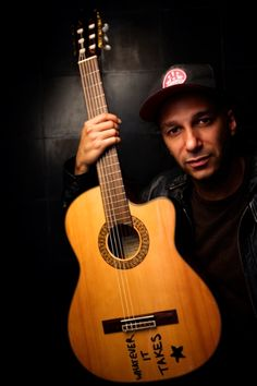 Tom Morello of Rage Against The machine, Audioslave, Street Sweeper Social Club and his Protest-Folking alter ego The Nightwatchman. Music Icon, My Music, Figure Music, Tom Morello, Rage Against The Machine, Alternative Music, Social Club, Punk Rock, Music Artists