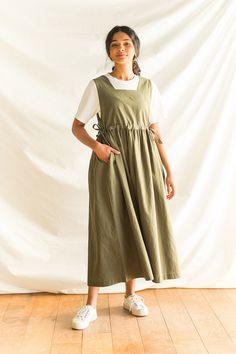 Iranian Women Fashion, Pakistani Fashion Casual, Muslim Fashion, Hijab Fashion, Fashion Dresses, Cute Casual Outfits, Modest Outfits, Skirt Outfits, Pretty Outfits