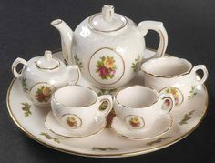Collectible+Miniature+crystal+tea+sets | Royal Albert OLD COUNTRY ROSES 8-Piece Mini Tea Set