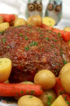 A complete Meatloaf dinner and sides ready in just 20-minutes. If you have a traditional pressure cooker, you can use this recipe as well. #InstantPot Meals #PressureCookerMeals #Instant Pot Recipes #KitchenDreaming Minced Beef Recipes, Mince Recipes, Cooking Recipes, Primal Recipes, Instant Pot Dinner Recipes, Best Dinner Recipes, Delicious Recipes, Instant Pot Pressure Cooker, Pressure Cooker Recipes