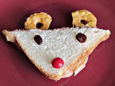 Easy Rudolph Sandwich for the Kiddos Holiday Snacks, Christmas Snacks, Holiday Recipes, Holiday Ideas, Christmas Holidays, Xmas, Food Kids, Fun Food, Good Food