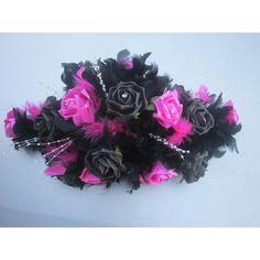 Composition de table fait main avec une m lange des roses for Deco table rose et noir