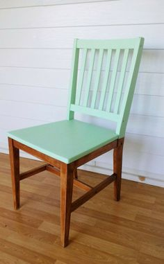 Modern Home Interior Design Chair makeover with mint paint. Furniture Projects, Furniture Makeover, Home Projects, Diy Furniture, Wooden Chair Makeover, Colorful Furniture, Antique Furniture, Furniture Refinishing, Dining Chair Makeover