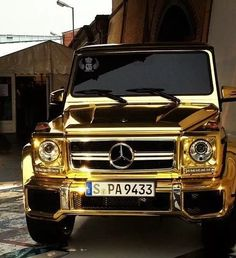 A gold Mercedes what more could you ask for such opulence!
