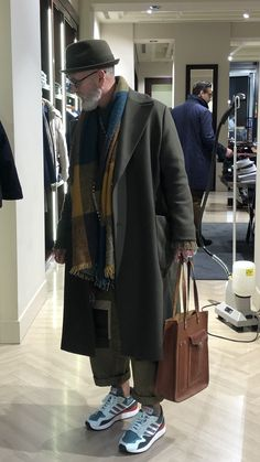 - Men's style, accessories, mens fashion trends 2020 Look Fashion, Winter Fashion, Mens Fashion, Fashion Outfits, Fashion Design, Guy Outfits, Mode Streetwear, Streetwear Fashion, Look Man