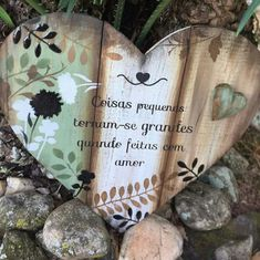 Source by taniamariag Chalk Crafts, Chalk Paint Projects, Diy Pallet Projects, Crafty Projects, Wood Crafts, Diy Crafts, Primitive Wood Signs, Diy Wood Signs, Primitive Crafts