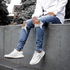 "3,284 Likes, 39 Comments - #DAILYSTREETLOOKS (@dailystreetlooks) on Instagram: ""Dope or nope? #dailystreetlooks"""