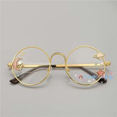 Online Shop Hand made the original lolita soft sister sweet Japanese harajuku girls round box cherry blossom put glasses cos who gay men Sunglasses For Your Face Shape, Cute Sunglasses, Kawaii Accessories, Jewelry Accessories, Fashion Accessories, Kawaii Fashion, Cute Fashion, Fashion Styles, Mode Kawaii