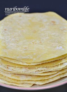 Making tortillas: Soft tortillas made without fermentation . How To Make Tortillas, Making Tortillas, Mexican Food Recipes, Ethnic Recipes, Tasty, Yummy Food, Kitchen Stories, Bread Cake, Cookie Desserts