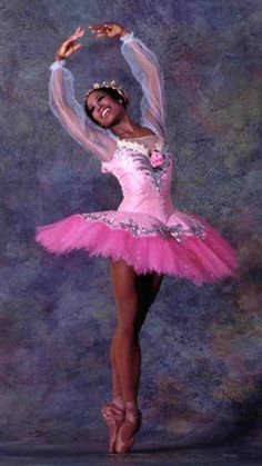 Lauren Anderson (b Feb American Ballet Dancer / former Principal Dancer - Houston Ballet. / became First African American Ballerina Principal for Major Dance Company. Important Milestone in American Ballet. via Wikipedia Lauren Anderson, Black Dancers, Ballet Dancers, Ballet Moves, Ballet Tutu, Misty Copeland, Ballet Beautiful, My Black Is Beautiful, Beautiful Lines