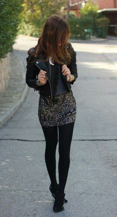 I love black tights!?? (fall fashion tights)