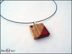 Pendentif carré en bois exotique peint à la main  par DecArttoi