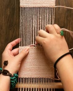 Best Cost-Free tapestry weaving tutorial Popular The hem stitch is a VERY secure way of finishing off a weaving Weaving Loom Diy, Weaving Art, Tapestry Weaving, Loom Weaving Projects, Card Weaving, Weaving Textiles, Weaving Patterns, Embroidery Patterns, Yarn Crafts