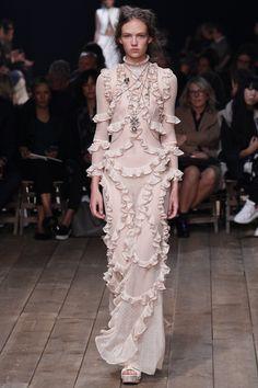 Alexander McQueen Spring 2016 Ready-to-Wear Fashion Show - Adrienne Jüliger (Viva)