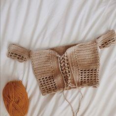 Off the shoulder crochet festival crop top Diy Crochet Crop Top, Crotchet Crop Top, Crochet Top Outfit, Crochet Summer Tops, Crochet Bikini Top, Crochet Clothes, Diy Clothes, Knit Crochet, Diy Crop Top