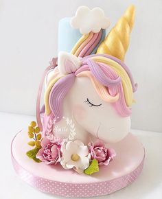 10 Beautiful Unicorn Cake Designs - The Wonder Cottage Unicorne Cake, Cake Art, Cupcake Cakes, Cake Smash, Unicorn Cake Design, Unicorn Cake Topper, Unicorn Head Cake, Unicorn Cupcakes, Birthday Cake Girls