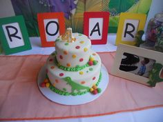 Cake at a Dinosaur Party #dinosaurparty #cake