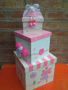 Home Crafts, Diy And Crafts, Arts And Crafts, Decoupage Tutorial, Decoupage Vintage, Miniature Crafts, Pretty Box, Craft Box, Mouse Parties