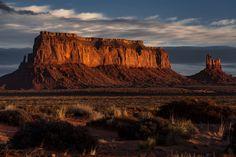 Monumental Sunrise: Eagle and Sitting Hen Mesa Monument Valley UT [OC][1080x720]