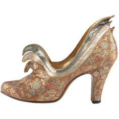 Evening Shoes by Steven Arpad, France, ca. Vintage Wear, Vintage Shoes, Vintage Accessories, Vintage Outfits, Fashion Accessories, Retro Vintage, Vintage Style, 1940s Fashion, Vintage Fashion