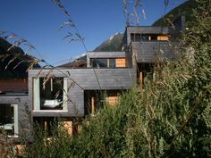 The vacation home 'aradira' is located on the sunny side slightlyelevated from the valley in the middle of the mountains of the Silvretta –surrounded by nu...