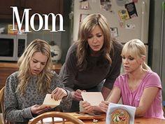 Allison Janney, Anna Faris, and Sadie Calvano in Mom Anna Faris, Mom Series, Tv Series 2013, Best Tv Shows, Favorite Tv Shows, Sadie Calvano, Mom Cast, Mom Tv Show, Chuck Lorre