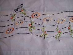 Floral Bordado À Mão Vintage Notas Musicais Fronha tamanho padrão