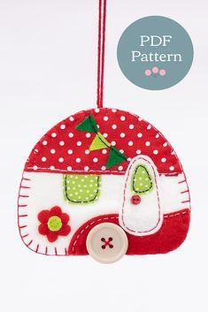 Felt Crafts, Diy And Crafts, Bird Christmas Ornaments, Christmas Things, Christmas Items, Christmas Cookies, Felt Ornaments Patterns, Patch Quilt, Pdf Sewing Patterns