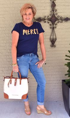50 Is Not Old | Jewelry Classic Or Trendy | Casual outfit | Jeans + T-shirt | Fashion over 40 for the everyday woman