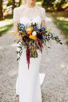 Crossed Keys Estate wedding. Wild forest bouquet. Pat Furey Photography.