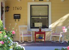I love this porch!!