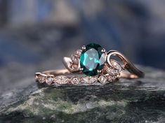 Emerald engagement ring SET-Solid 14k Rose gold-handmade Diamond ring-2pcs floral Wedding ring set-6x8mm Oval shape gemstone promise ring - BBBGEM