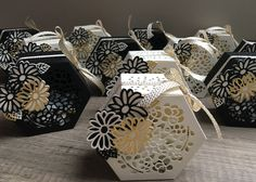tutorial - Scrap with Steph: Anniversary boxes open from the top: Stampin' Up! Diy Gift Box, Diy Box, Stampin Up Anleitung, Gift Wraping, Wedding Gift Boxes, 3d Paper Crafts, How To Make Box, Stampinup, Fancy Fold Cards