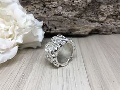 #artepbijoux #artepschmuck #handmade #bijoux #natursteinketten #silberschmuck #Workshop #Kurse #artclay #artclaysilver #Silver999 #silber #Ring #Anhänger #amulett #Leatherbracelet #weddingring  #artclayworkshop #artclayswiss #Silverclay #Metalclay #metalclaysilver #metalclayjewelry #Feinsilber #Bronceclay #KeumBoo #Gold #swiss Metal Clay Jewelry, Rings For Men, Workshop, Wedding Rings, Silver, Gold, Handmade, Jewelery, Amulets