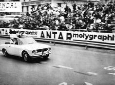 Prinses Gracia en Prins Rainier van Monaco worden gereden in de Giulia Sprint GTC !!