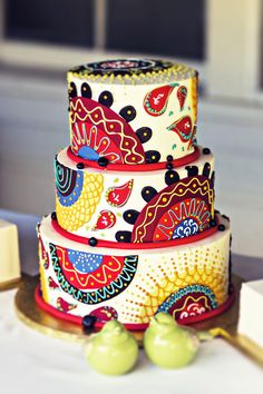 Vibrant #bohemian wedding cake • Quail Hollow Ranch • Santa Cruz, California Wedding Photographer www.studiodejonge.com