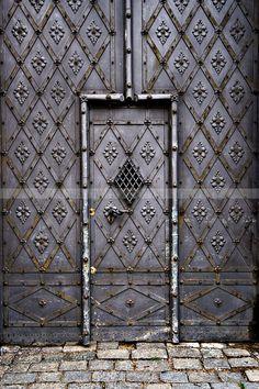 Prague, Czech Republic - Purple trellis door - Get the look with the Wonderment Trellis Wall Stencil from Royal Design Studio www.royaldesignstudio.com