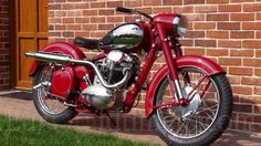 Personalizzato bobber Java Source by American Motorcycles, Cars And Motorcycles, Motorcycle Store, Enfield Motorcycle, European Models, Moto Bike, Bike Parts, Classic Bikes, Sidecar