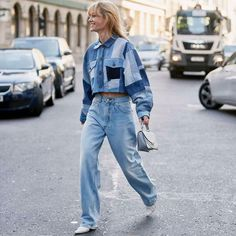 All-Denim Fall 2019 trend: how to wear a canadian tuxedo this season! Source by denim outfit Double Denim Fashion, Fashion Edgy, Fashion 2020, London Fashion, Doble Denim, Canadian Tuxedo, Denim Trends, Zara, Tuxedo Dress