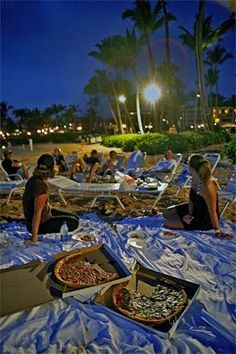 An alternative to the fancy, expensive meals at the Grand Wailea resort is an evening picnic on the beach with a New York-style pizza from Shaka.