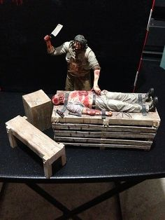 NECA Texas Chainsaw Massacre Bloody Cutting Table Loose Leatherface Figure