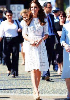 Kate Middleton, Duchess of Cambridge in Zimmerman paired with Stuart Weitzman wedges & a L.K. Bennett clutch attends the Royal Easter Show in Sydney. #bestdressed
