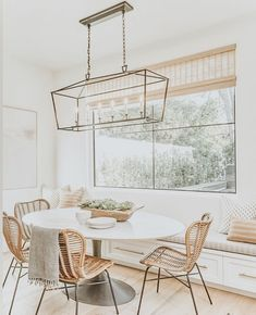 Modern farmhouse dining room design ideas - Home & DIY Dining Nook, Dining Room Design, Dining Room Bench Seating, Rattan Dining Chairs, Dining Room With Bench, Kitchen Nook Table, White Round Dining Table, White Dining Chairs, Small Dining