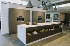 A day of styling at Southern Innovations new showroom – STYLE CURATOR