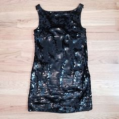 ❗️$5 Sale❗️Sequin Banana Republic Dress Sparkly black sequin dress. Bought it from someone else but it is too short for me! Size 0 PETITE. Moving and need to clear out my closet, check out my other $5 items 😄 Bundle and save! Banana Republic Dresses Mini