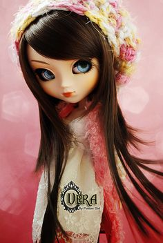 I am completely enamored with Poison Girl's Veritas, Vera.  Her eyes are stunning.