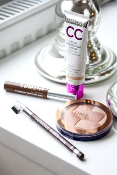 Every-day make-up essentials by gorgeous blogger Anni Maaninka. #makeup #lumene